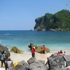Pantai Sadeng, Keindahan Alam Muara Sungai Bengawan Solo Kuno - Ensiklopedia Indonesia