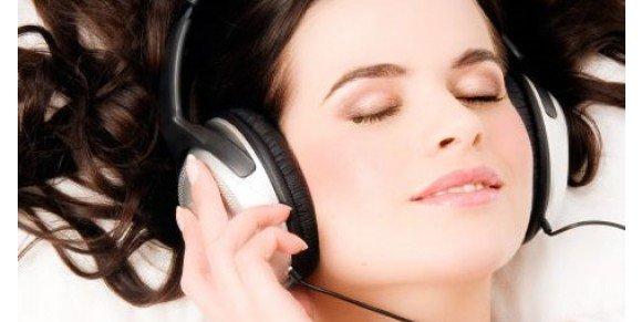 Dampak Buruk Menggunakan Headphone