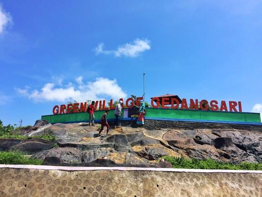 pesona-hijaunya-deretan-bukit-di-green-village-gedangsari-yogyakarta2